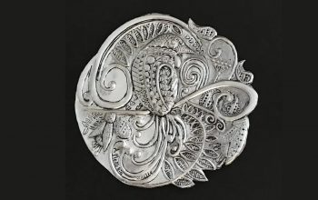 Tui's Lace: Art Collaboration between Ninette Kruger Metal Art and Anna Mollekin Art
